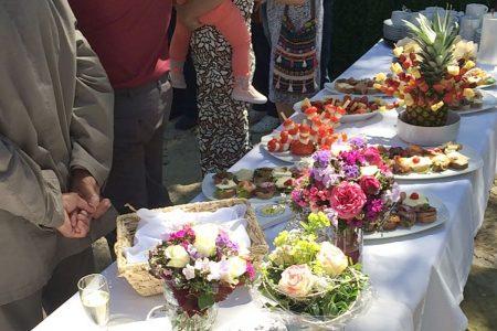 Hochzeitsbuffet im Garten