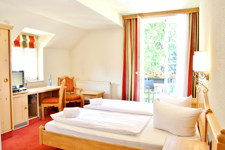 Alttolkewitzer Hof Hotel Restaurant In Dresden