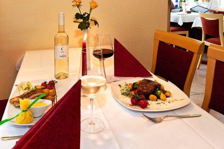 gediegen und entspannt Speisen